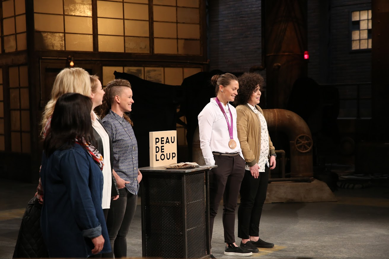 Manjit Minhas makes a deal with Peau De Loup womens' shirt brand on CBC Dragons' Den